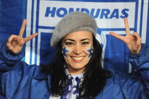 Гондурас. Болельщица футбола