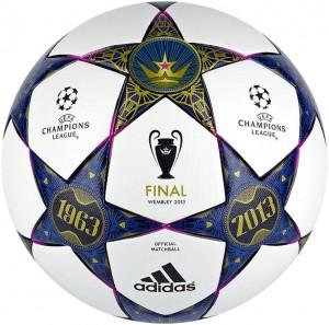 Даты, нанесенные на мяч, отсылают к первому финалу Кубка чемпионов, который прошел 50 лет назад также на «Уэмбли».