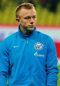 Питерский «Зенит» хочет выкупить Янбаева у «Локомотива»