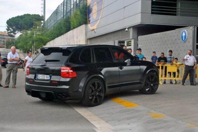 Eric Abidal - Porsche Cayenne ENCO Exclusive