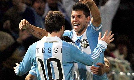 Месси попросил «Барселону» купить Агуэро